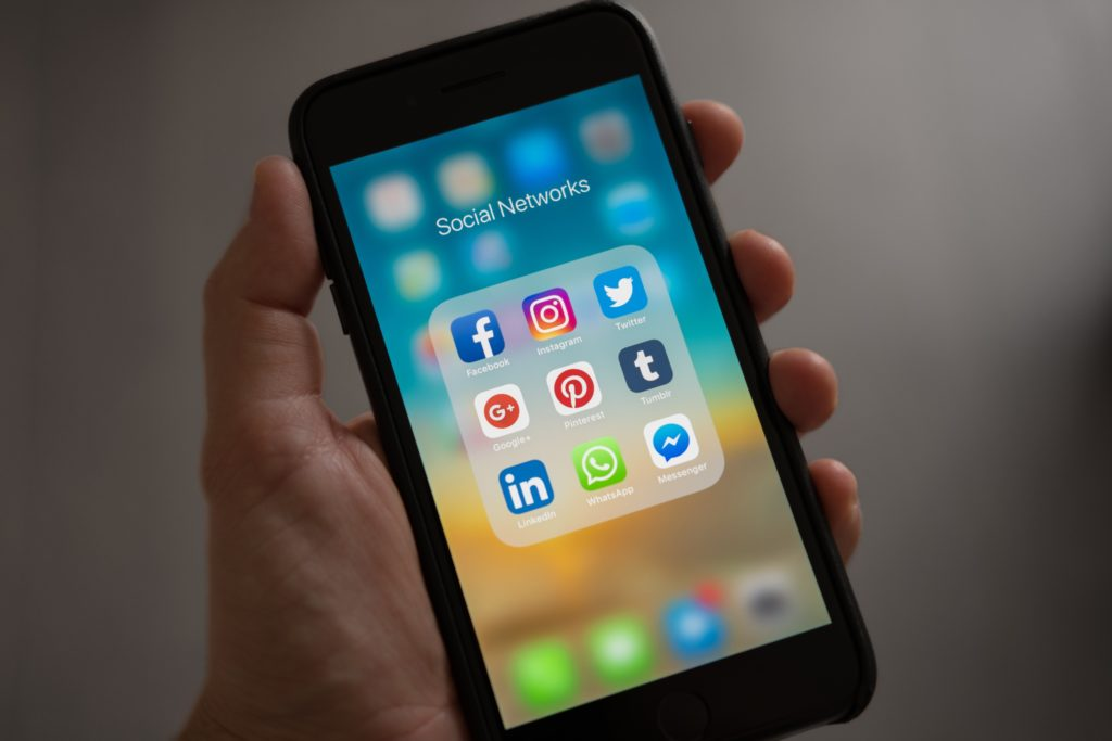 productivity tip - cell phone notifications - social media - mission marketing today